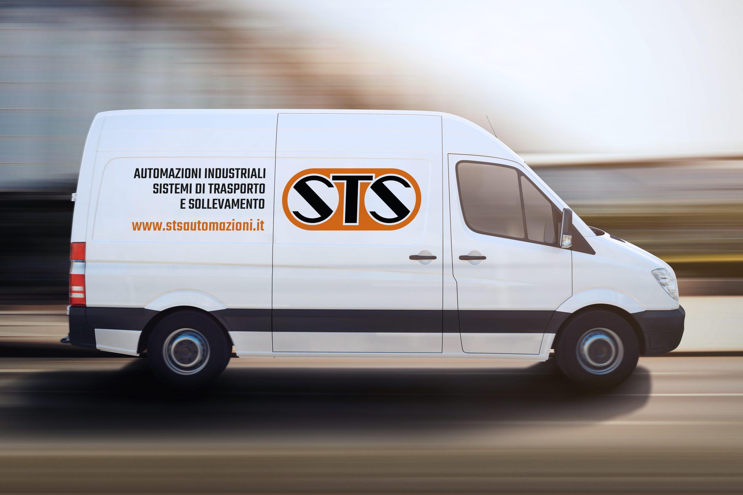 Furgone bianco con logo Sts